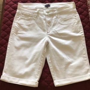 Great looking Bermuda Jeans